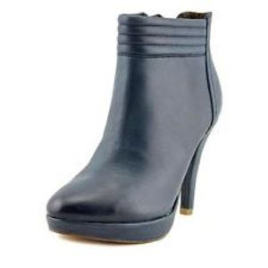 Shoes - NWT Toni Bootie
